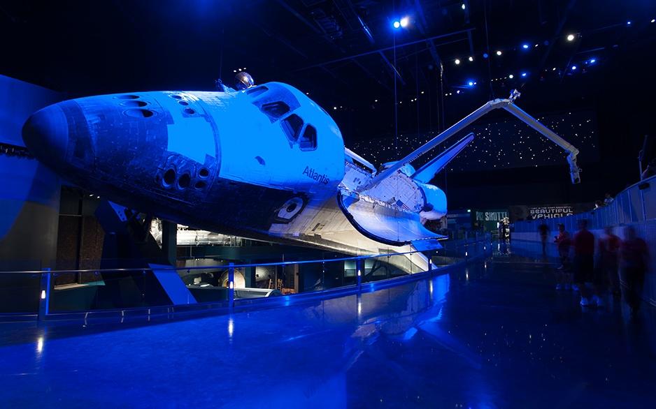 92_612_en_space_shuttle_atlantis_02